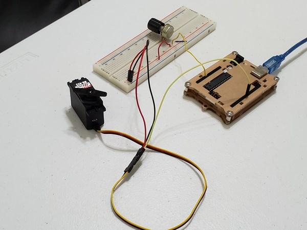controlling-a-servo-motor-4