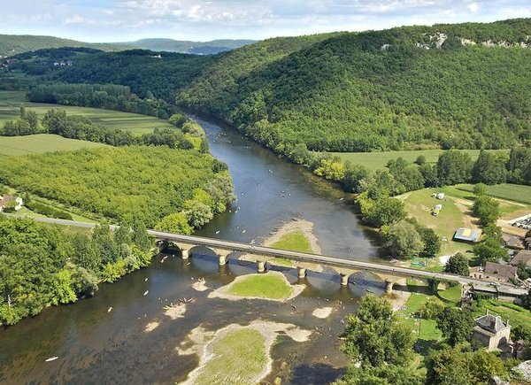 france_aerial_landscape_river