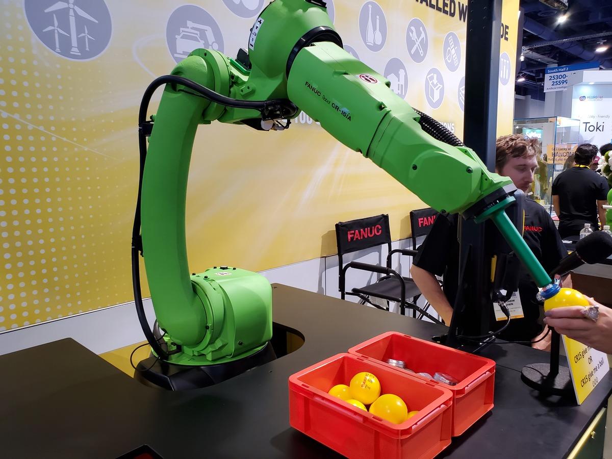 cover-robotic-arm-ball
