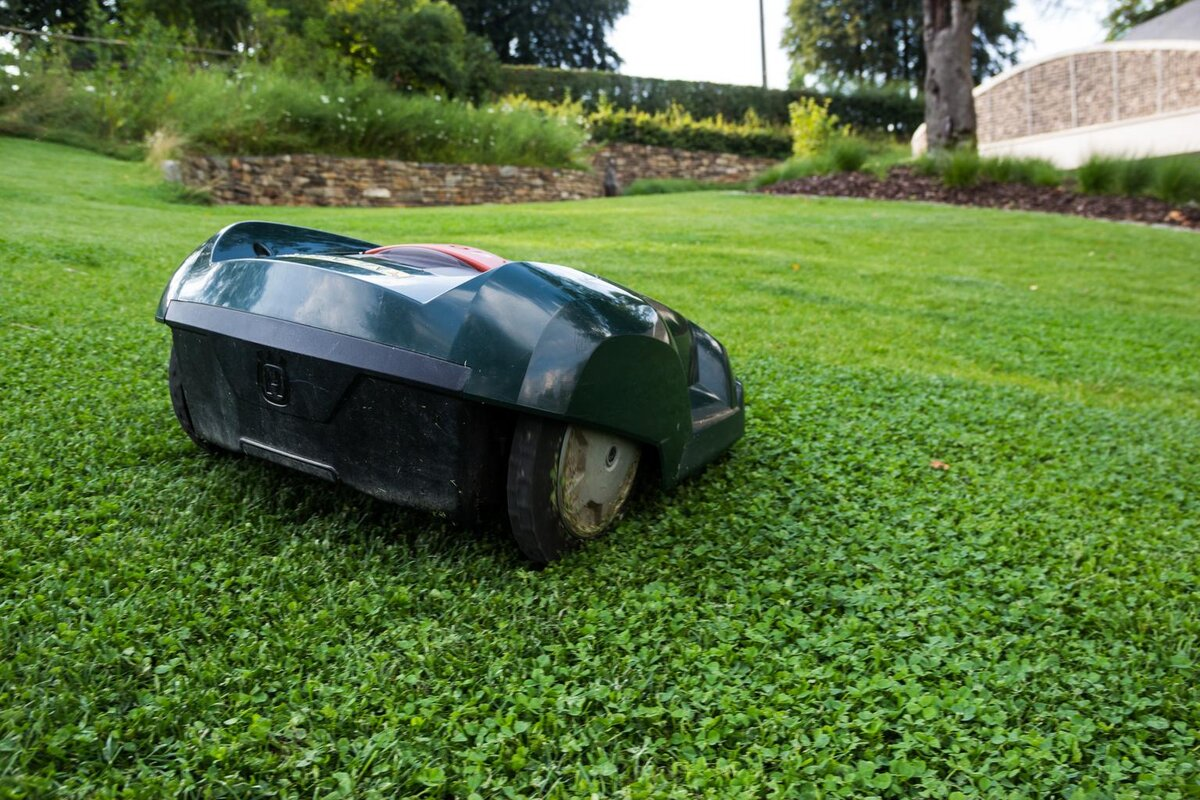 cover-robot-lawn-mower